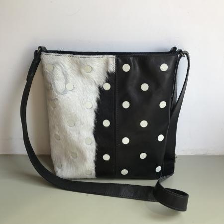 6f326b50e37 shopper TONY zwart / koeienvacht met stippen TE KOOP bij Bags of Dutch  Design Amsterdam - Lot tassen